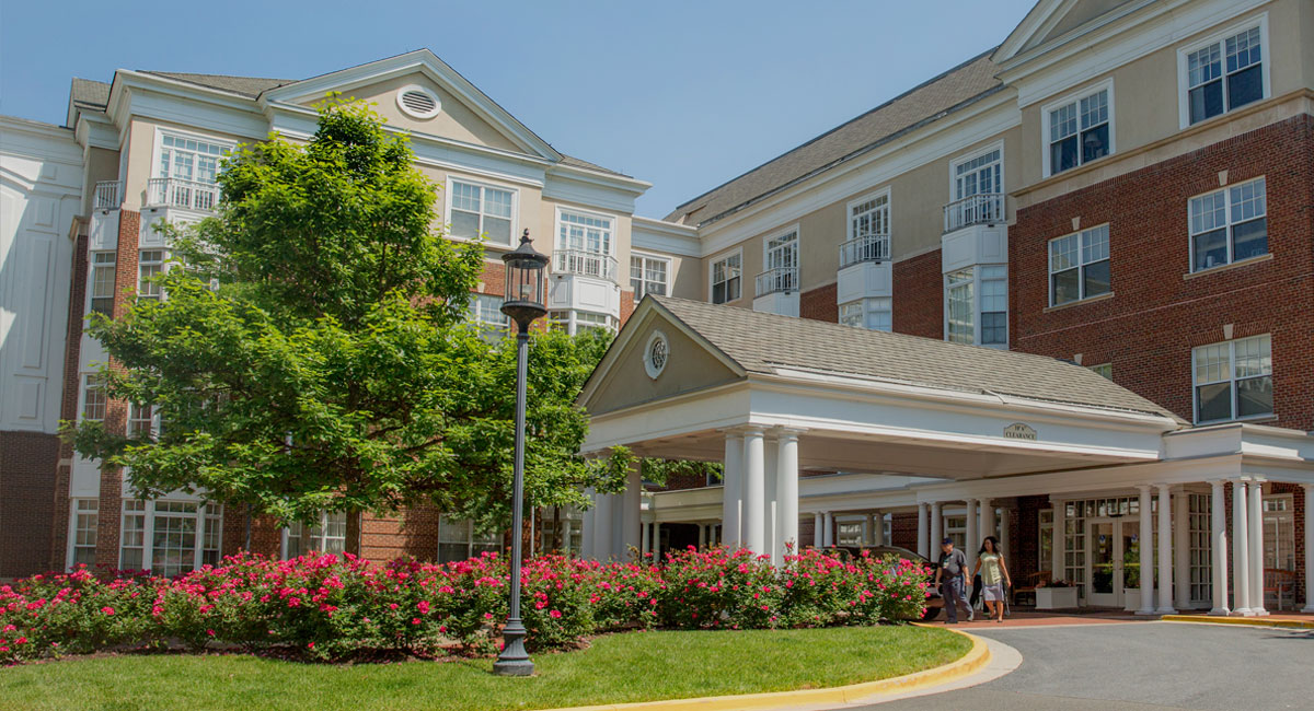 exterior view of Grand Oaks in Washington DC